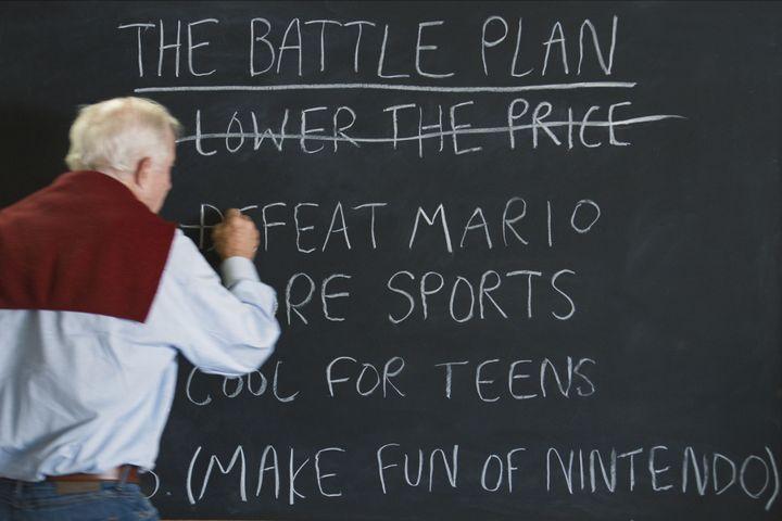 """Tom Kalinske, l'homme qui a imposé Sega face à Nintendo, explique sa stratégie dans l'épisode 4 de """"High Score"""". (NETFLIX)"""