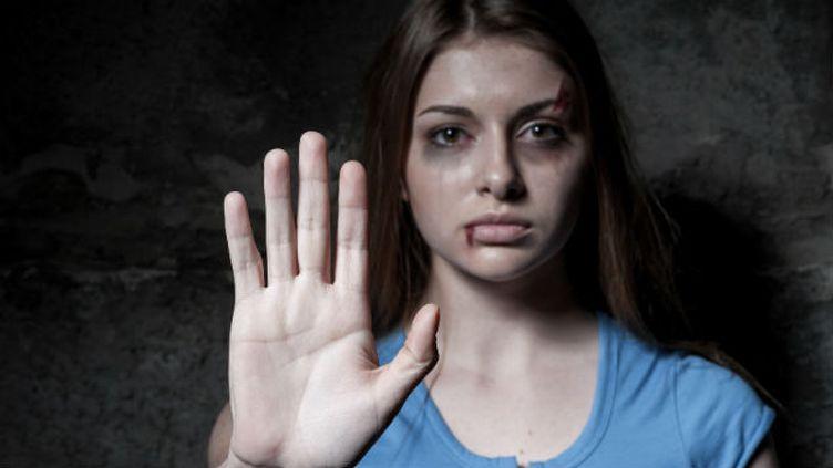 (Plus de 216 000 femmes sont victimes de violences chaque année en France. © Fotolia)