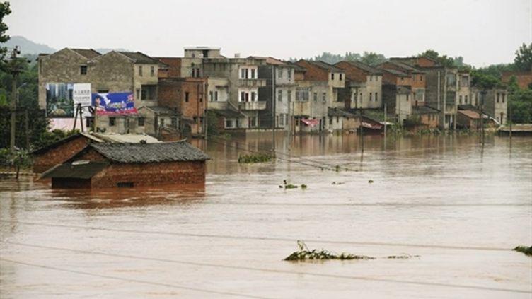 Un quartier de la ville de Chongqing (sud-ouest de la Chine) sous les eaux (AFP)