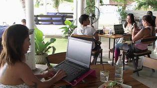 Thaïlande : le paradis des nomades numériques (FRANCE 2)