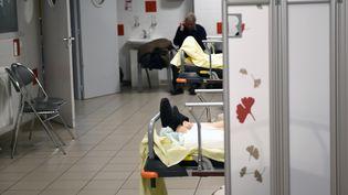 Le service des urgences de l'hôpital Trousseau, à Tours, le 12 janvier 2017. (GUILLAUME SOUVANT / AFP)