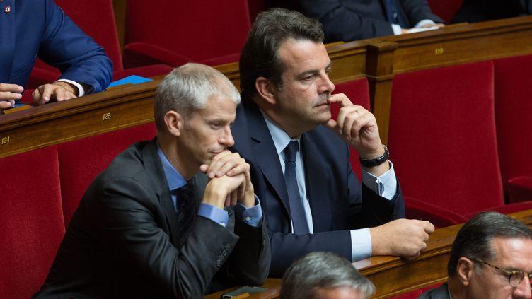 """Les """"constructifs"""" Franck Riester et Thierry Solère dans l'hémicycle de l'Assemblée nationale le 18 octobre 2017. (NICOLAS KOVARIK / MAXPPP)"""