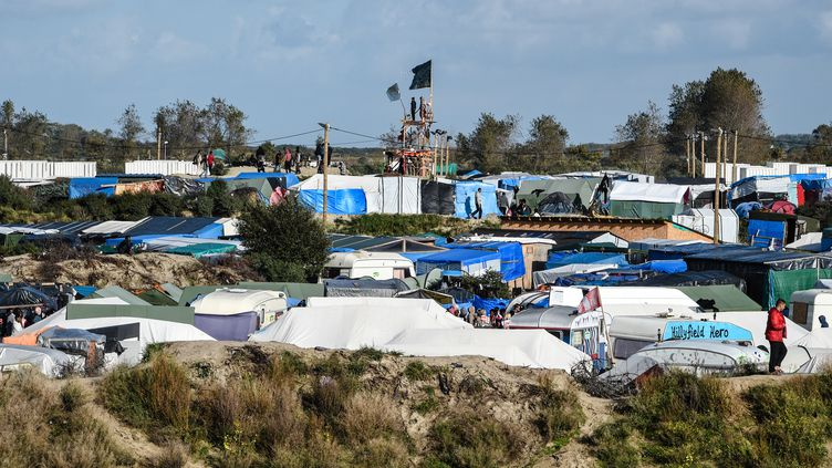 "La ""jungle"" de Calais, le 17 octobre 2016. (DENIS CHARLET / AFP)"