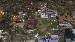 Vue aérienne d'un quartier de Freeport, sur l'île de Grand Bahama, ravagé par l'ouragan Dorian, le 5 septembre 2019. (ADAM DELGIUDICE / AFP)
