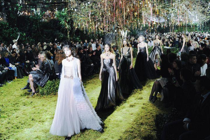 Dior haute couture printemps-été 2017, à Paris, janvier 2017  (Dior Haute Couture SS17_Finale -® Adrien Dirand.jpg)