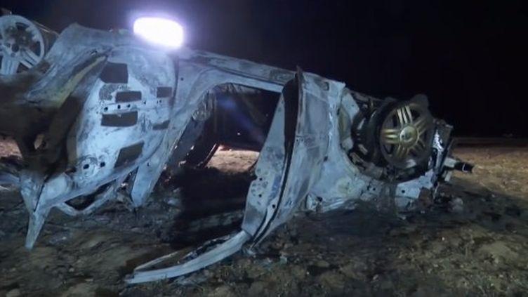La première question est de savoir s'il y a eu une défaillance technique du véhicule dans ce terrible accident meurtrier survenu sur l'A7 lundi 20 juillet vers 19 heures à hauteur d'Albon, dans la Drôme. (France 2)