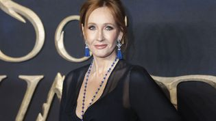 """J.K. Rowling le 13 novembre 2018 à Londres, lors de l'avant-première de l'adaptation cinématographique d'un de ses ouvrages, """"Les Animaux fantastiques : Les Crimes de Grindelwald"""" (JAMES SHAW / MAXPPP)"""