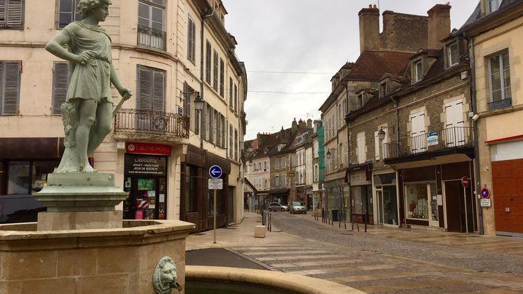 Avallon, dans l'Yonne, se prépare au reconfinement le 29 octobre 2020 (ALICE KACHANER / FRANCEINFO / RADIO FRANCE)