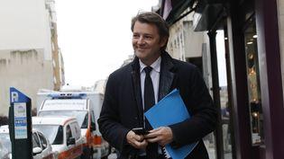 François Baroin arrive au siège des Républicains, le 2 mai 2017 à Paris. (PATRICK KOVARIK / AFP)