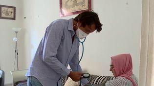 Coronavirus : le rôle crucial des médecins généralistes (FRANCE 2)