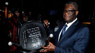 Le gynécologue congolais co-lauréat du prix Nobel de la paix 2018, Denis Mukwege, au Musée Nobel à Stockholm, en Suède, le 12 décembre 2018. (TT NEWS AGENCY / X02350)