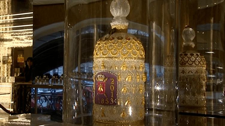 Falcon de l'eau impériale certi de fils d'or  (France 3 / Culturebox)