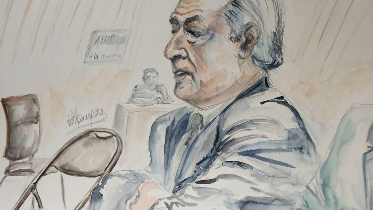 Dominique Strauss-Kahn à la barre du tribunal de Lille, lors du procès du Carlton, le 10 février 2015. (ELISABETH DE POURQUERY / FRANCETV INFO)