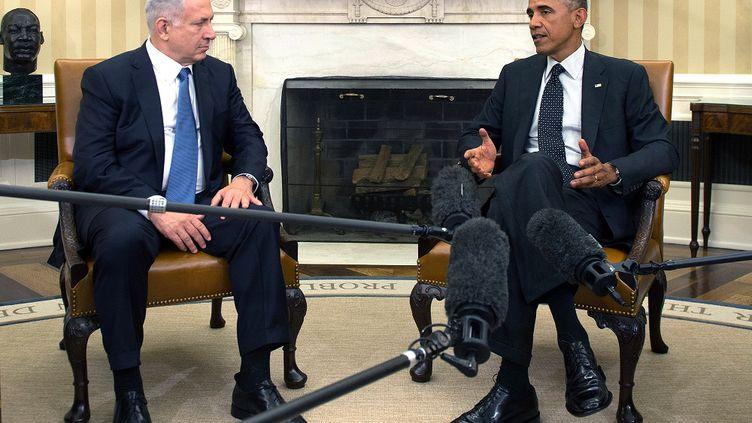Le président des Etats-Unis,Barack Obama, s'entretient avec le Premier ministre israélien, Benyamin Netanyahou, le 1er octobre 2014 à la Maison Blanche, à Washington. (JIM WATSON / AFP)