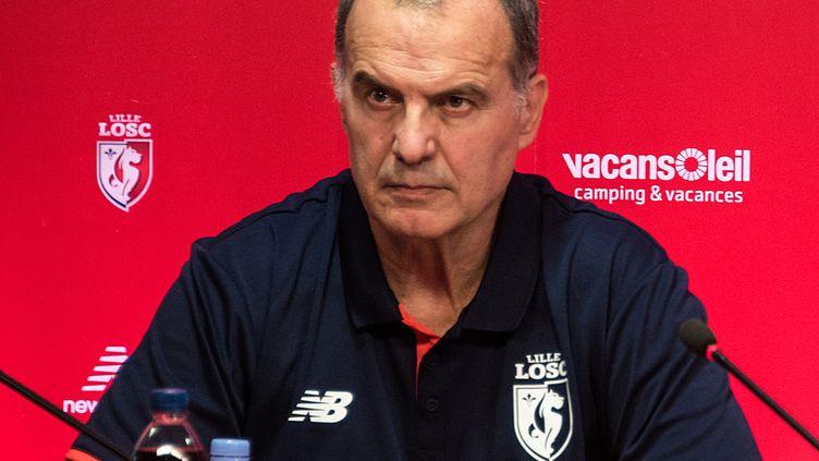 Marcelo Bielsa, nouvel entraîneur de Lille.  (DENIS CHARLET / AFP)