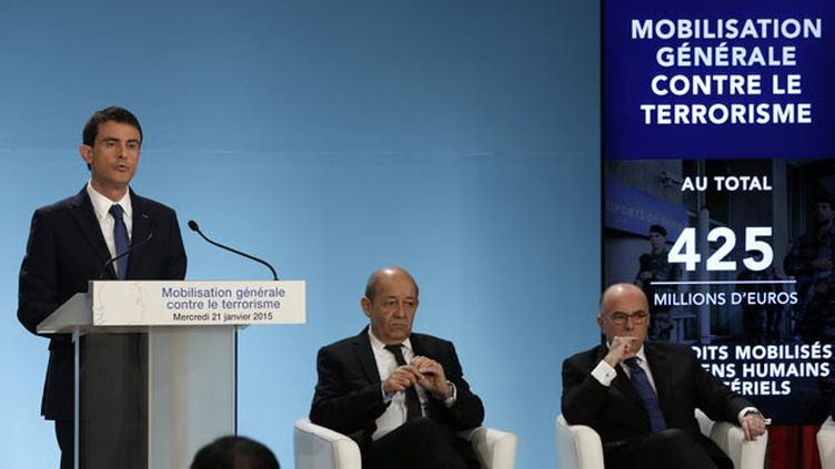 (Manuel Valls devant la presse mercredi matin © REUTERS/Philippe Wojazer)