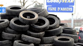 Comme en février 2013 (photo), les ouvriers de Goodyear bloquent le site d'Amiens, le 7 novembre 2013. (PHILIPPE HUGUEN / AFP)