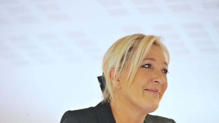 La présidente du Front national, Marine Le Pen, lors de l'université d'été du parti, le 22 septembre 2012. (ALAIN JOCARD / AFP)