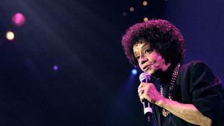 """Nancy Holloway le 15 décembre 2006 au Zénith de Paris dans le cadre de la tournée """"Âge tendre et tête de bois"""". (STEPHANE DE SAKUTIN / AFP)"""