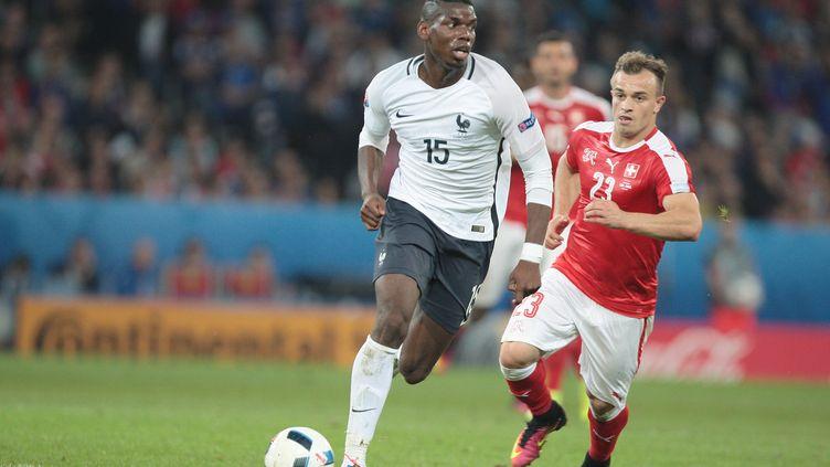 Paul Pogba à la baguette, mais quelques fausses notes dans le jeu du surdoué français. (CITIZENSIDE/MADJID AIT ABDALLAH / CITIZENSIDE)