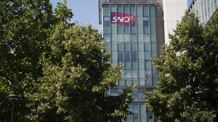 Le siège de la SNCF, le 15 juillet 2015. (MARTIN BUREAU / AFP)