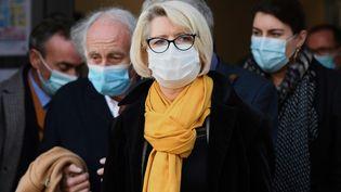 La mère d'Alexia Daval, Isabelle Fouillot,à la sortie de la cour d'assises de Haute-Saône, le 19 novembre 2020. (SEBASTIEN BOZON / AFP)