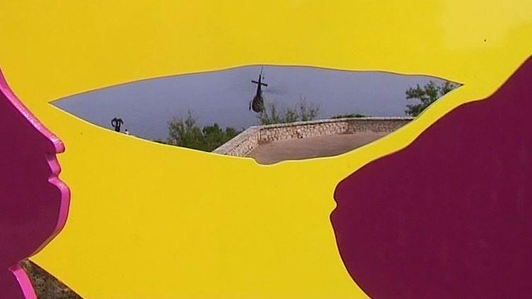 Une sculpture de Stefan Szczesny a pris place dans la Citadelle de Saint-Tropez  (France 3 / Culturebox / capture d'écran)