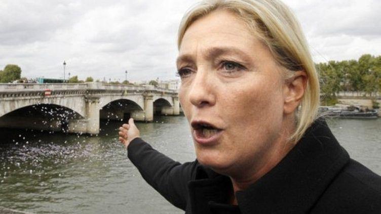 Marine Le Pen au pont de la Concorde mardi 6 septembre (AFP)