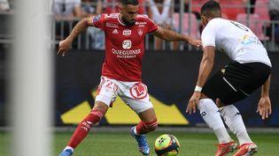 Les Brestois de Romain Del Castillo n'ont pas su maintenir leur avantage pour décrocher une première victoire cette saisoncontre Angers, dimanche 12 septembre 2021. (FRED TANNEAU / AFP)