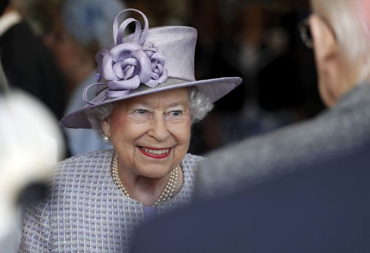 La reine d'Angleterre, Elisabeth II, le 11 avril 2017 à Londres (Royaume-Uni). (PETER NICHOLLS / AFP)