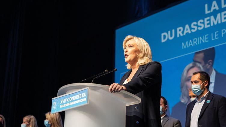 Marine Le Pen lors du congrès du Rassemblement national à Perpignan (Pyrénées-Orientales), le 4 juillet 2021. (JEANNE MERCIER / HANS LUCAS / AFP)