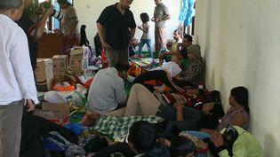 Les survivants du naufrage d'un boatpeople au large de l'Indonésie, le 24 juillet 2013. (AFP)