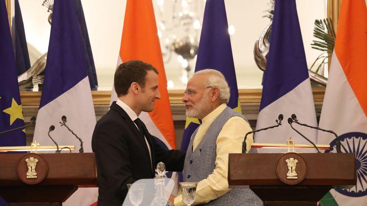 Le président Emmanuel Macron et le Premier ministre indien Narendra Modi à New Delhi, samedi 10 mars 2018. (LUDOVIC MARIN / AFP)