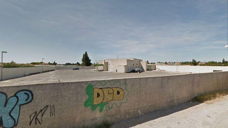 Capture d'écran d'une vue de la mosquée de Carpentras (Vaucluse). L'établissement a été vandalisé entre le 18 et le 19 octobre 2013. (GOOGLE STREET VIEW / FRANCETV INFO)