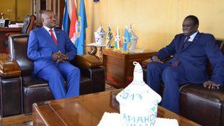 Le président du Burundi, Pierre Nkurunziza, recevant l'émissaire du Secrétaire genéral de l'ONU, Michel Kafondo, au palais présidentiel à Bujumbura, le 29 juin 2017. (STR/AFP)