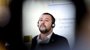 Matteo Salvini, le 14 septembre 2018, lors d'une conférence de presse à Vienne, en Autriche. (HERBERT NEUBAUER / APA / AFP)
