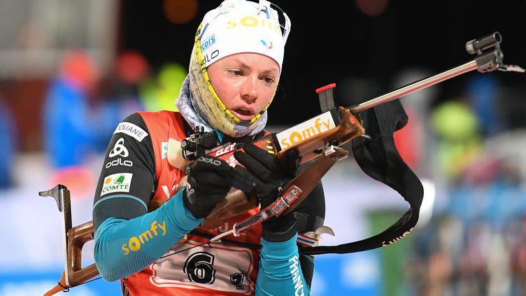 Marie Dorin-Habert sur le pas de tir (ALEXANDER VILF / SPUTNIK)
