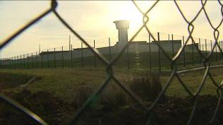 Photo non datée de la tour de contrôle de la prison de Beauvais. (FRANCE 3 PICARDIE)