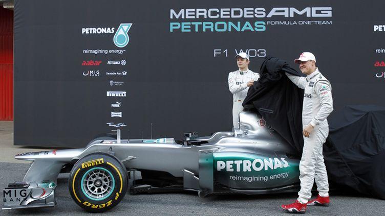La Mercedes W03 dévoilée par Michael Scumacher et Nico Rosberg