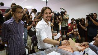 Le leader du parti Podemos, Pablo Iglesias, voteaux élections législatives à Madrid, le 26 juin 2016. (MAXPPP)
