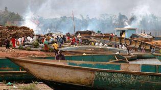 Marché aux poissons sur le port de Ggaba, lac Victoria, Ouganda. (REUTERS/Euan Denholm)