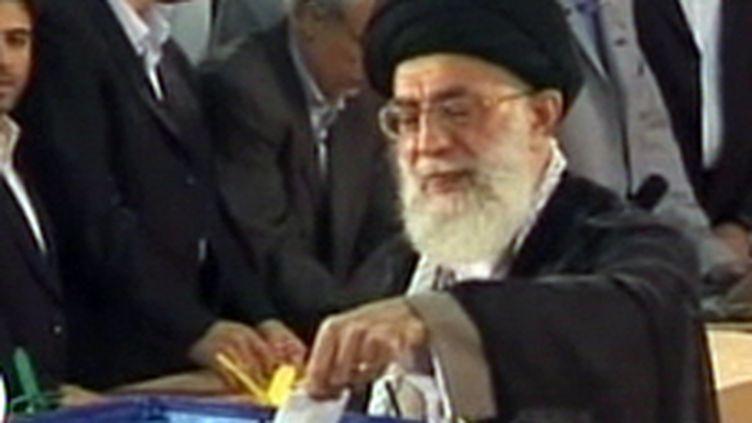 Ali Khamenei, chef religieux de la révolution islamique iranienne (juin 2009). (© France 2)