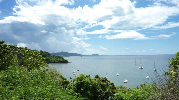Vue sur la passe de Boueni, à Mayotte. (LA 1ERE MAYOTTE)