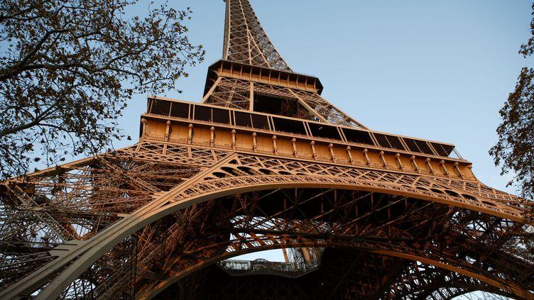 La tour Eiffel, à Paris, le 26 mars 2019. (MANUEL COHEN / AFP)