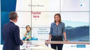 Florence Besson et la couverture de son livre (France 3)