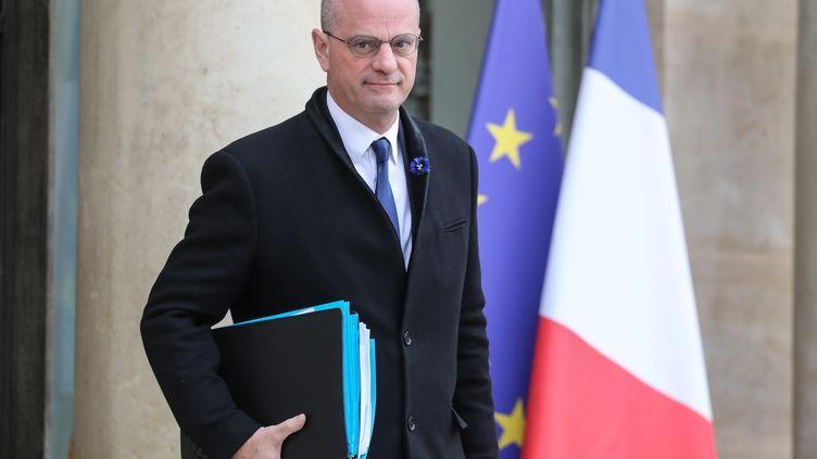 Le ministre de l'Education nationale, Jean-Michel Blanquer, à la sortie du palais de l'Elysée, le 13 novembre 2019 à Paris. (LUDOVIC MARIN / AFP)