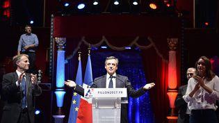 François Fillon, le 21 septembre 2016, lors d'un meeting au Cirque d'hiver, à Paris. (CHRISTOPHE ARCHAMBAULT / AFP)