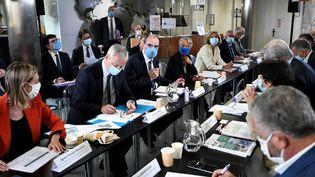 Le Premier ministre, Jean Castex, s'exprime face à des industriels, le 14 septembre 2020, dans l'usine Bic de Montévrain (Seine-et-Marne). (STEPHANE DE SAKUTIN / AFP)