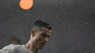 Cristiano Ronaldo lors d'un match avec le Real Madrid, le 26 novembre 2016. (JAVIER SORIANO / AFP)