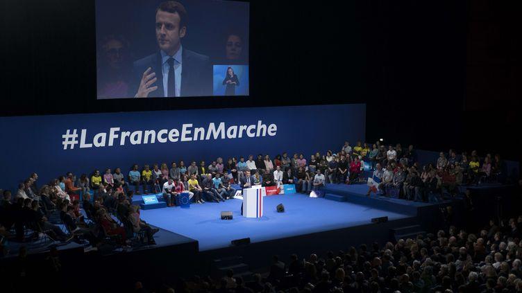 Emmanuel Macron en meeting à Toulon (Var), le 18 février 2017. (LILIAN AUFFRET/SIPA)